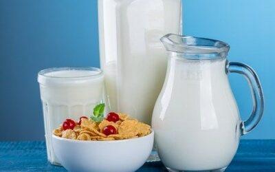 """Hleny z mléka? Ne, """"zácpa v hlavě"""". Mýty a pravdy o mléku"""
